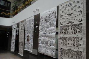 В СумГУ открылась выставка под названием «Зимнее кружево»
