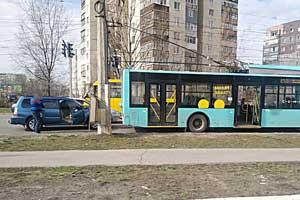 В Сумах произошло очередное ДТП с участием троллейбуса