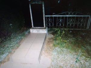 На Сумщине 14-летнюю девушку изнасиловали на кладбище