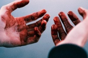 На Сумщине мужчина до смерти избил сожительницу