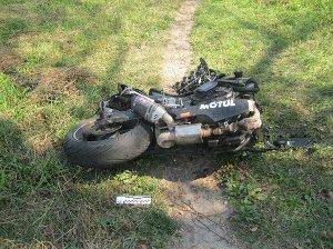 На Сумщине в результате столкновения с электроопорой погиб мотоциклист