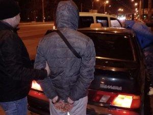 Сумчанку ограбил и едва не задушил в такси старый знакомый