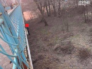 Полиция установила личность сумчанина,  который повесился на мосту