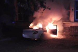Ночью в разных районах Сум горело две машины