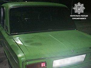 В Сумах пьяный водитель без прав после остановки патрульными распивал пиво