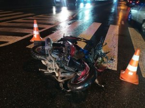 В Сумах в ДТП на ул. С. Бандеры погиб мотоциклист