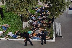 В Конотопе во время заседания горсовета возник массовый конфликт