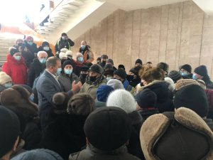 Бывшие работники СНПО пришли на сессию Сумского горсовета