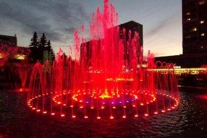 Демонтаж новых фонтанов на Театральной площади обошелся в 250 тысяч гривен