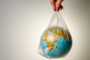 Сумчанам предлагают присоединиться к акции «День без полиэтилена»