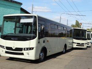 Новые коммунальные автобусы выйдут на рейсы уже завтра