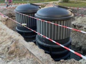 В Сумах монтируют первые подземные контейнеры для мусора (фото)