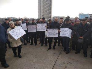 Под Сумской ОГА сегодня митинговали чернобыльцы