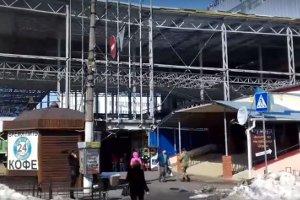 Сумчан не радует металлическая конструкция в центре города