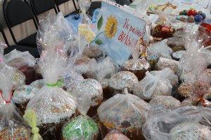 Сумские школьники передали воинам АТО пасхальные корзины