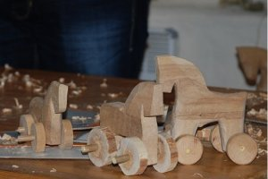 Участникам АТО и их детям предлагают обучиться резьбе по дереву