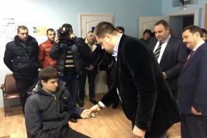 Участнику АТО из Кролевца подарили квартиру