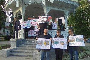 В Сумах протестовали против повышения стоимости проезда в маршрутках