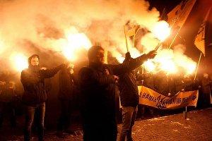 В Сумах состоялось юбилейное факельное шествие памяти Степана Бандеры