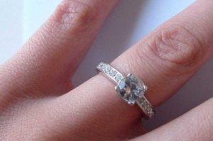 В Сумах оштрафовали ювелирный магазин за просроченный ремонт обручального кольца