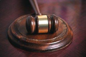 В Сумах отложили судебное заседание по делу о гибели младенца в лифте