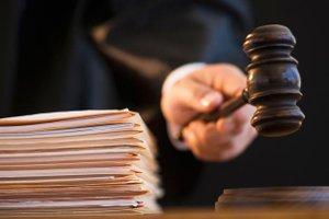 Суд оставил в силе меру пресечения подозреваемому в педофилии экс-депутату