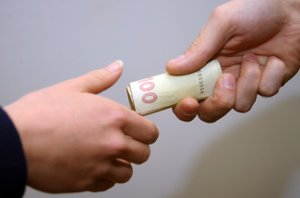 На Сумщине будут судить сотрудников ПАО «Сумыгаз», попавшихся на взятках