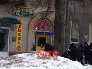 Стрелявший в полицейского грабитель банкомата на Химгородке похитил более 800 тыс грн