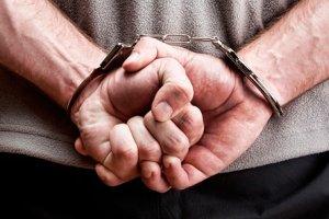 На Сумщине разоблачили полицейского, который требовал от подчиненного взятку