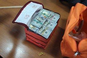 У депутата Сумской области нашли 380 тысяч долларов