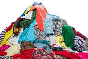 Где в Сумах можно с пользой избавиться от старой одежды?