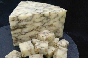 В Сумах продают сыр с коноплей