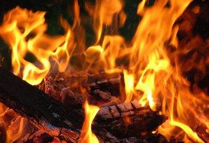 Двое жителей Сумщины погибли, сжигая сухую растительность