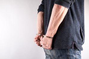 Прокуратура подозревает жителя Шостки в изнасиловании 2 несовершеннолетних девушек