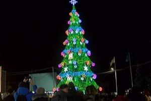 Главная елка Сум всего через неделю после открытия неисправна