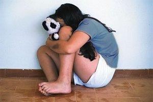 На Сумщине в изнасиловании 15-летней девушки подозревают ее отца и дядю